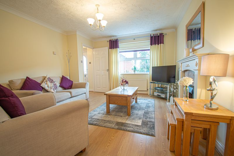 3 bed house for sale in Moorcroft Gardens 5