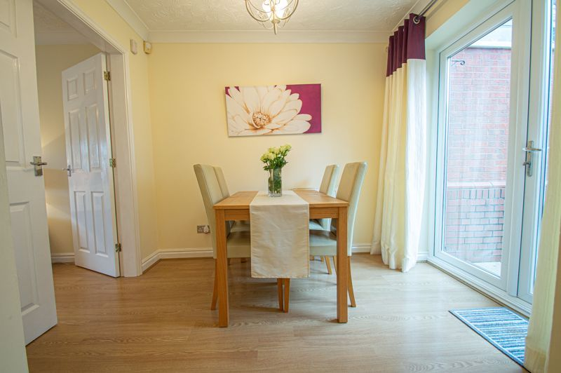 3 bed house for sale in Moorcroft Gardens 6