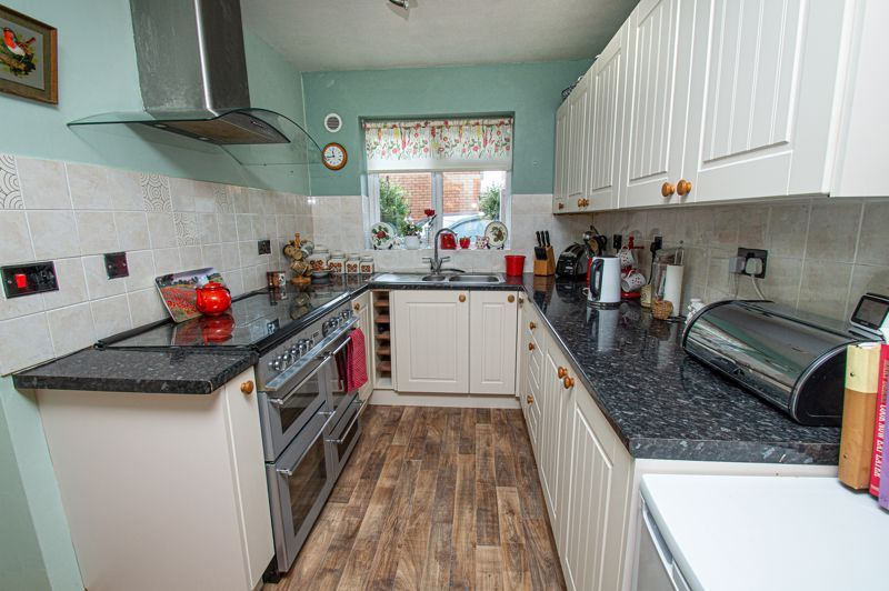2 bed bungalow for sale in High House Drive  - Property Image 3