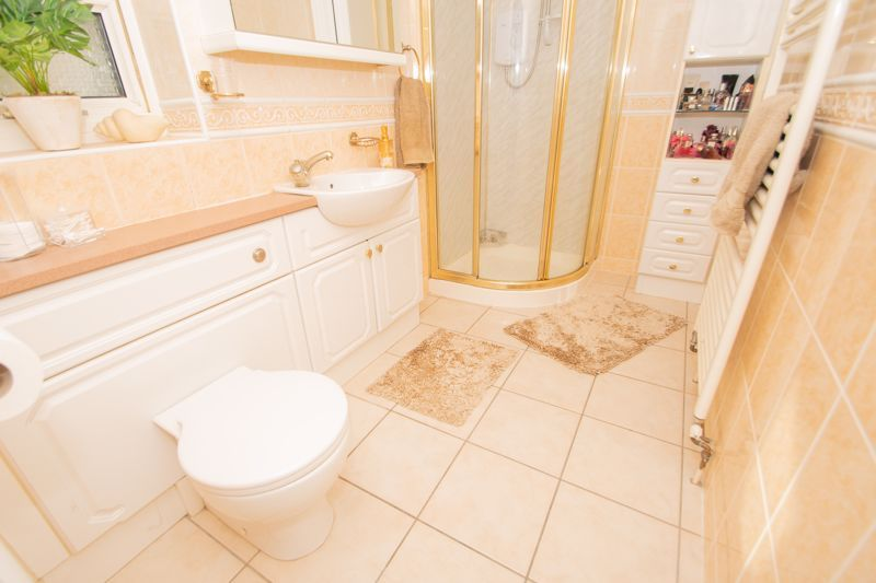 5 bed house for sale in Redditch Road 12