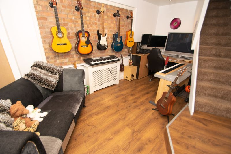 5 bed house for sale in Redditch Road 16