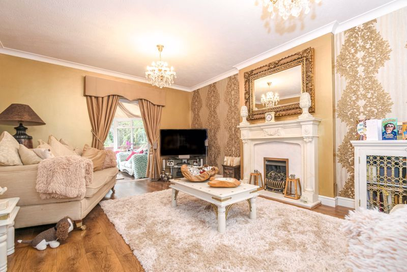 5 bed house for sale in Redditch Road 4