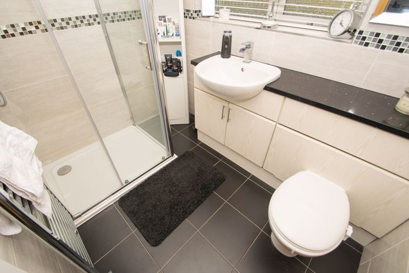 5 bed house for sale in Redditch Road 8