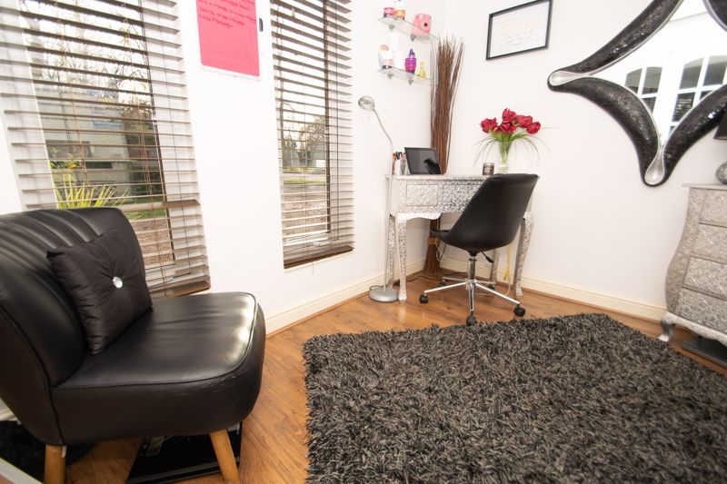 5 bed house for sale in Redditch Road  - Property Image 9