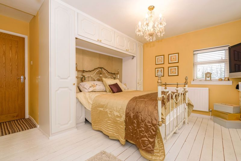5 bed house for sale in Redditch Road 10