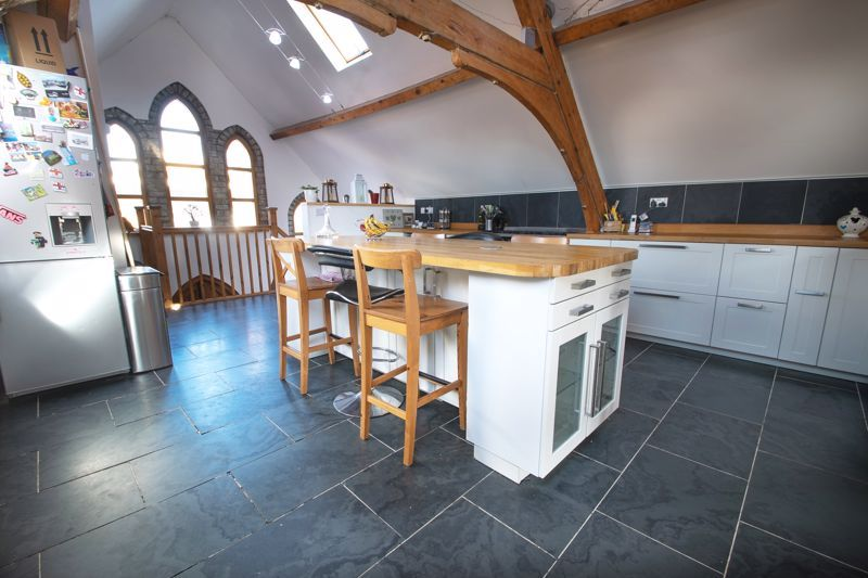 4 bed house for sale in King William Street 4