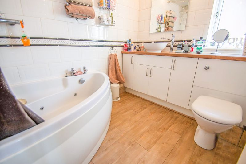 5 bed house for sale in Wolverton Close 10