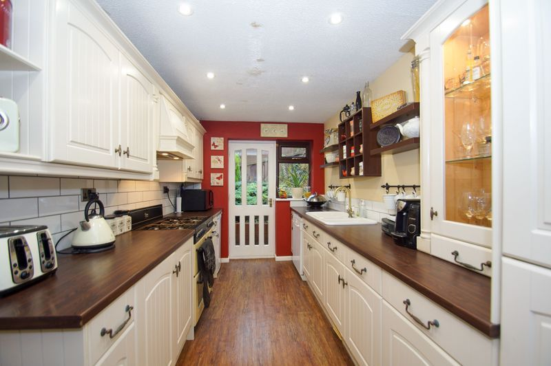 4 bed house for sale in Hanbury Road 5