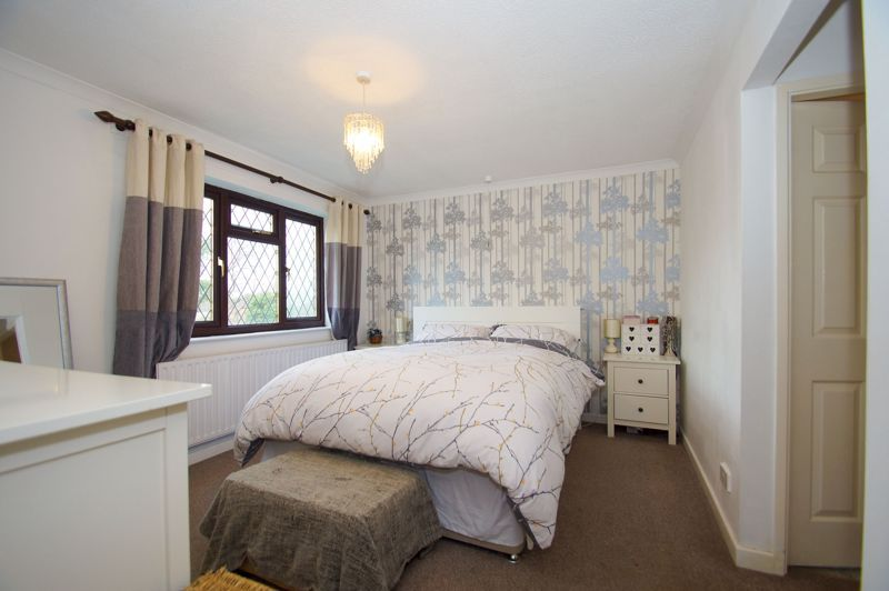 4 bed house for sale in Hanbury Road 7