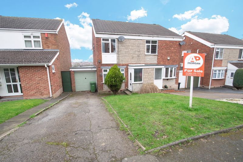 3 bed house for sale in Glynn Crescent 1