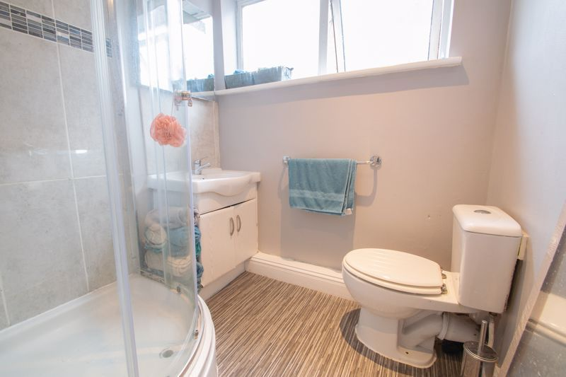 3 bed house for sale in Glynn Crescent 12