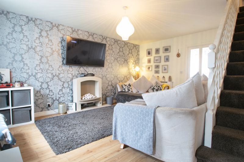 3 bed house for sale in Glynn Crescent 4