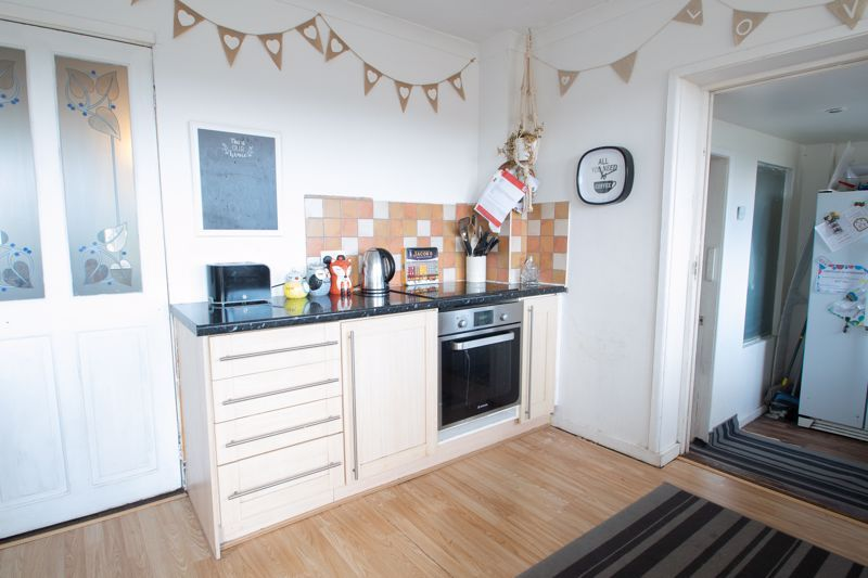 3 bed house for sale in Glynn Crescent 5