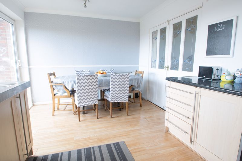 3 bed house for sale in Glynn Crescent 6