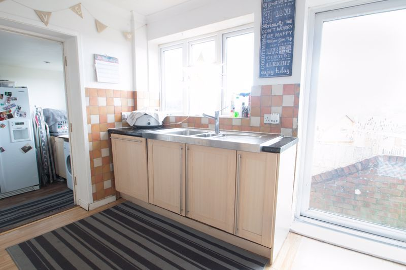 3 bed house for sale in Glynn Crescent 7