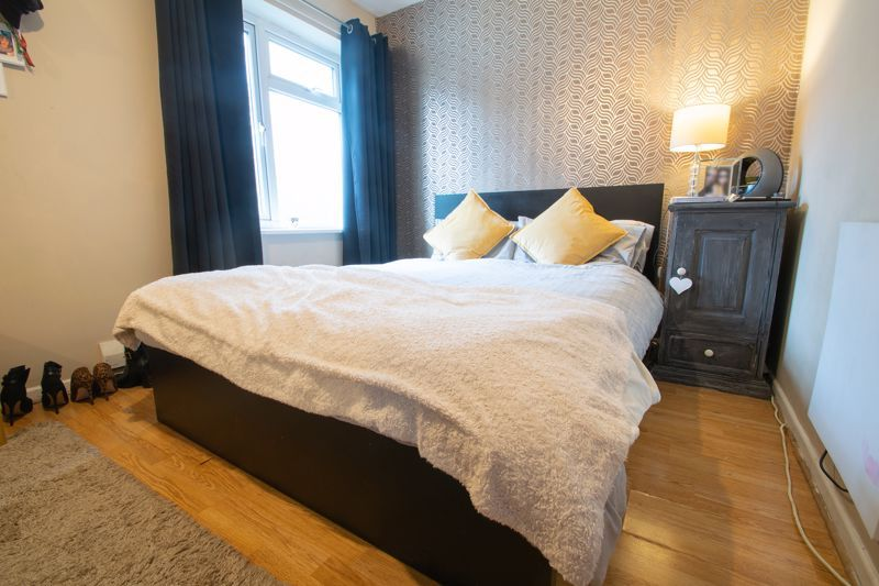 3 bed house for sale in Glynn Crescent 9