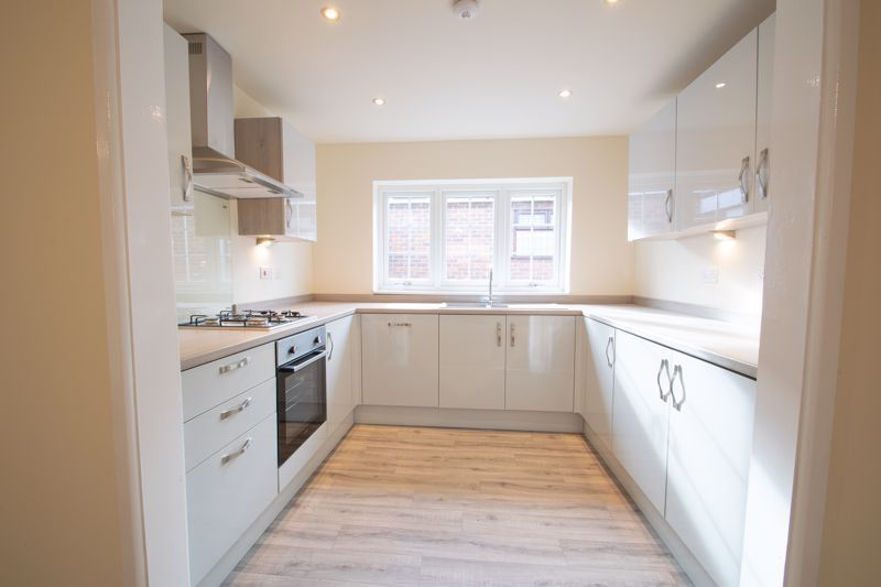 2 bed bungalow for sale in Laburnum Close  - Property Image 2
