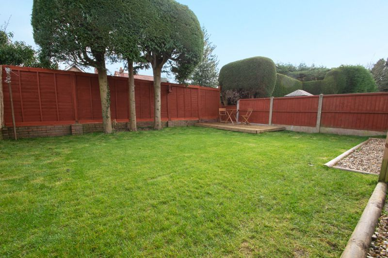 2 bed bungalow for sale in Laburnum Close  - Property Image 13