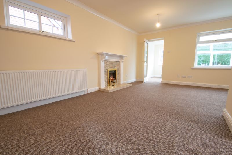 2 bed bungalow for sale in Laburnum Close  - Property Image 5