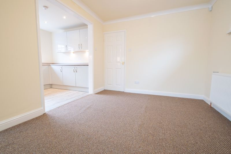 2 bed bungalow for sale in Laburnum Close  - Property Image 7