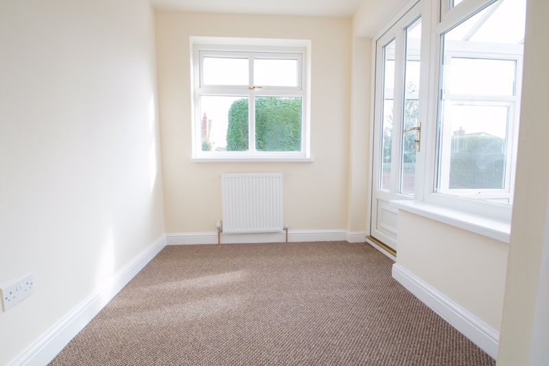 2 bed bungalow for sale in Laburnum Close  - Property Image 8