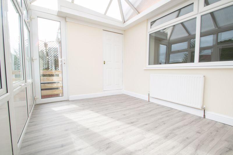 2 bed bungalow for sale in Laburnum Close 9