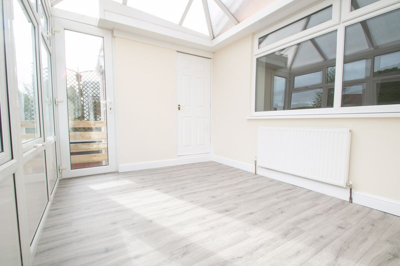 2 bed bungalow for sale in Laburnum Close  - Property Image 9