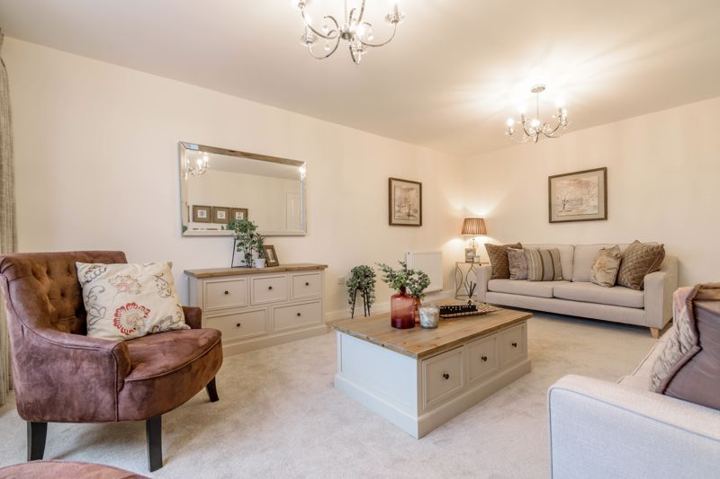 4 bed house for sale in Birmingham Road 3