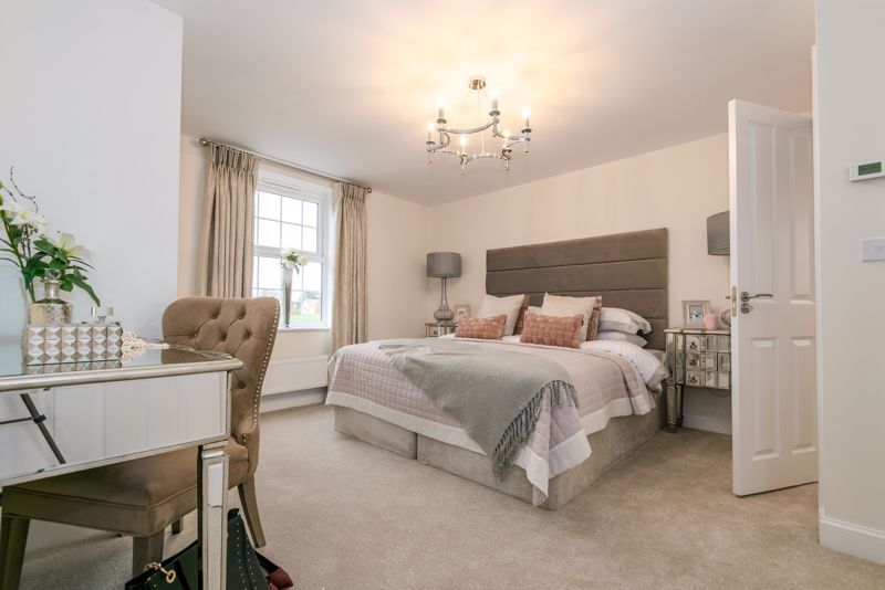 4 bed house for sale in Birmingham Road 8
