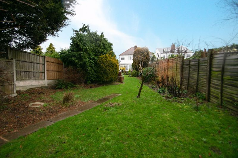 3 bed house for sale in Birch Road 13
