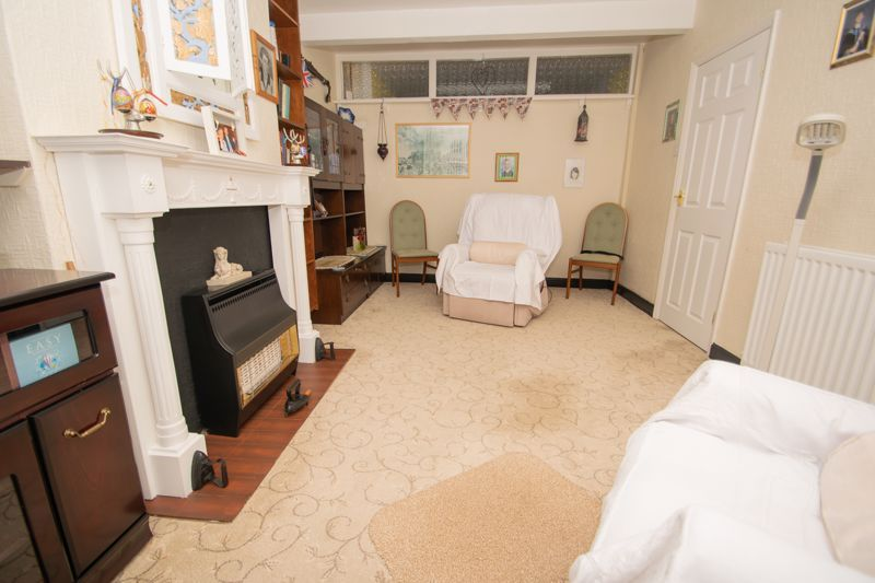 3 bed house for sale in Birch Road  - Property Image 3