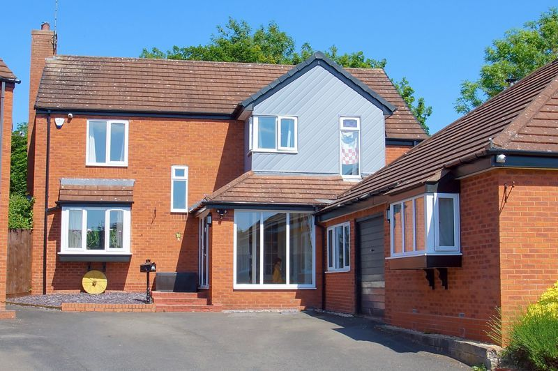 5 bed house for sale in Brookfield Close  - Property Image 2