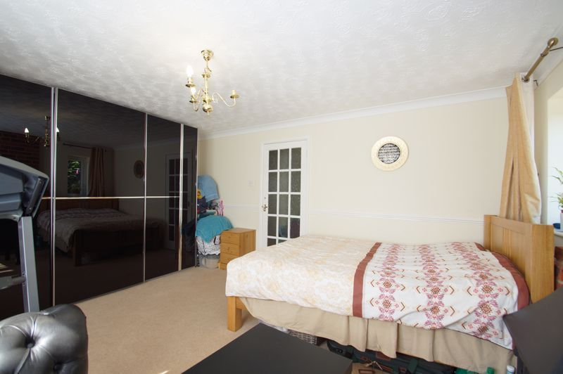 5 bed house for sale in Brookfield Close 11
