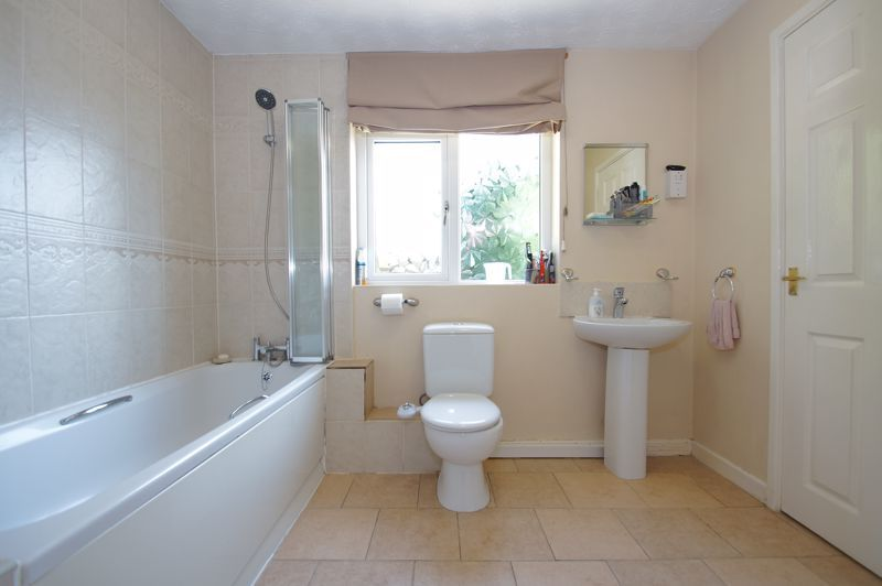 5 bed house for sale in Brookfield Close  - Property Image 12