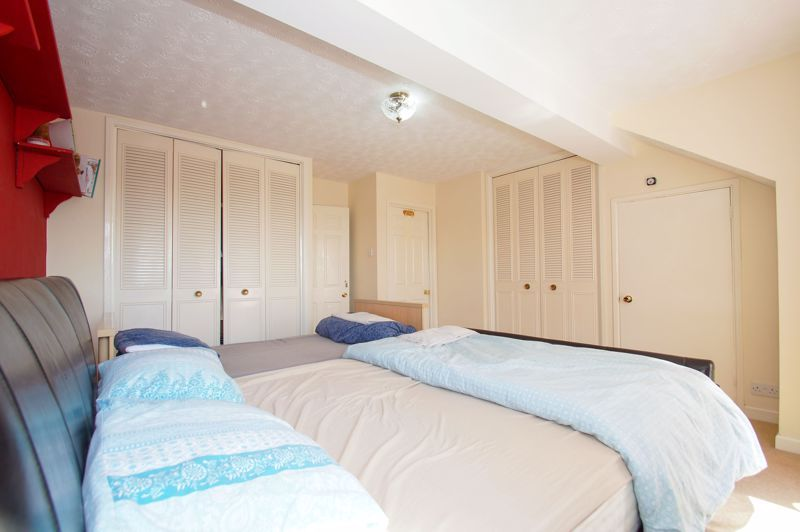 5 bed house for sale in Brookfield Close  - Property Image 15