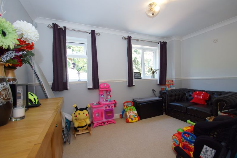 5 bed house for sale in Brookfield Close  - Property Image 19