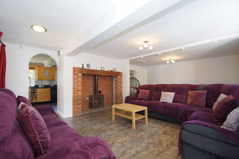 5 bed house for sale in Brookfield Close  - Property Image 5