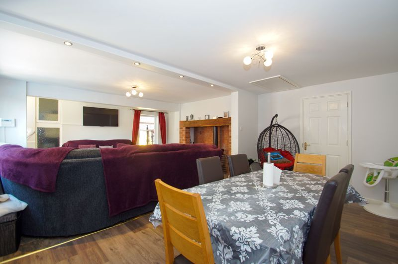 5 bed house for sale in Brookfield Close 6