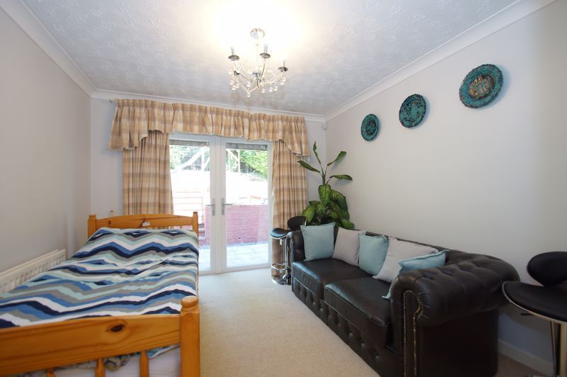 5 bed house for sale in Brookfield Close  - Property Image 10