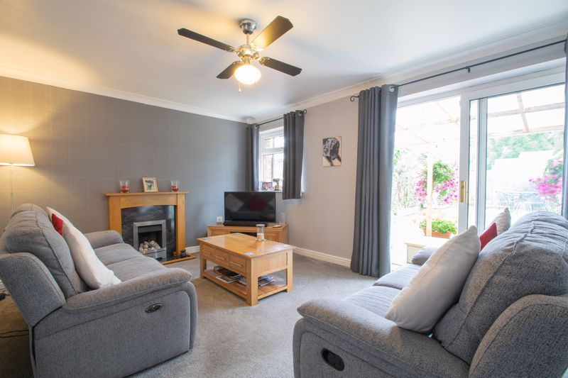 3 bed house for sale in Clee Road 2
