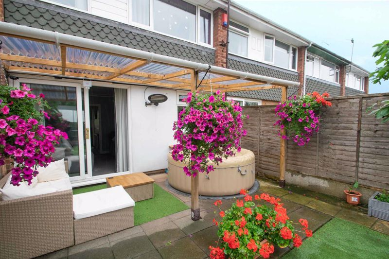 3 bed house for sale in Clee Road 12