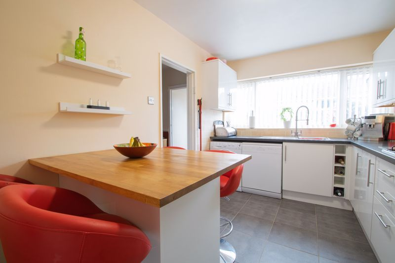 3 bed house for sale in Clee Road 4