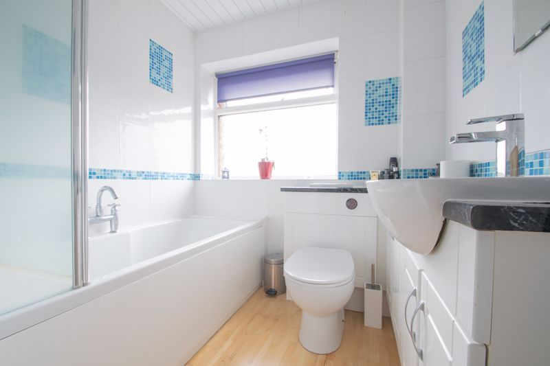 3 bed house for sale in Clee Road 10