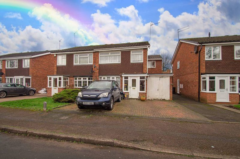 4 bed house for sale in Middleton Close 1