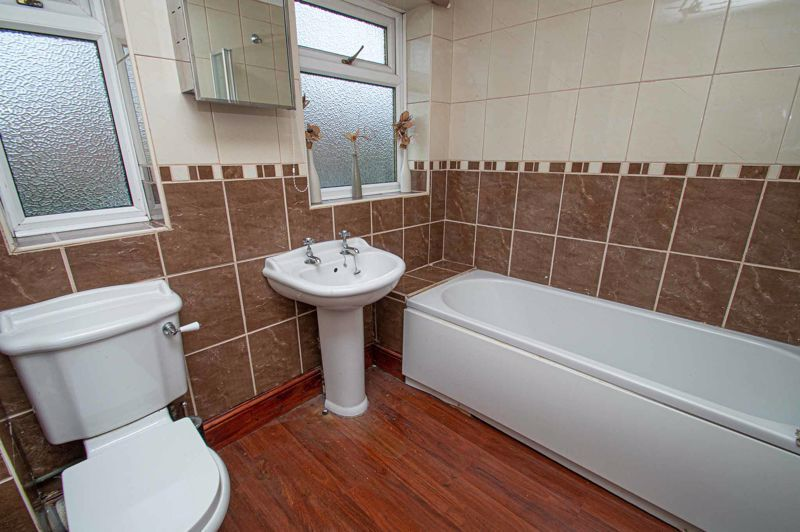 4 bed house for sale in Middleton Close  - Property Image 12