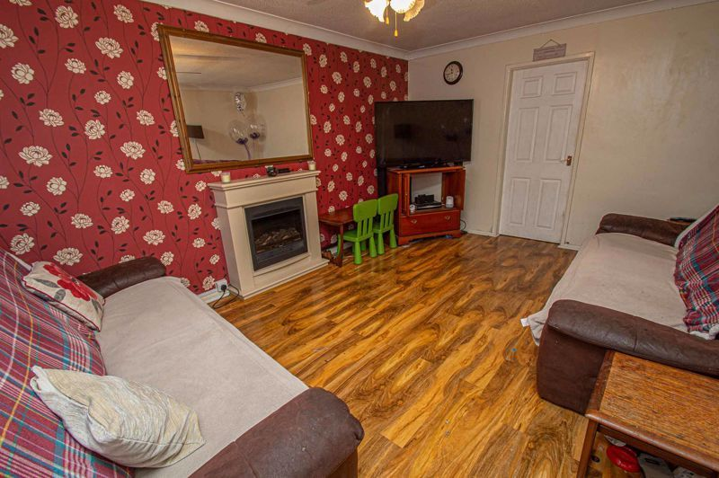 4 bed house for sale in Middleton Close 4