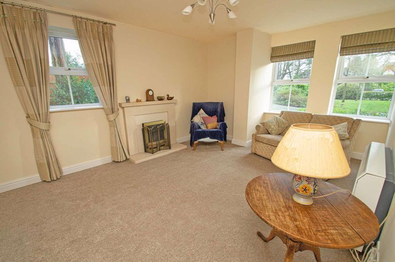 2 bed flat for sale in College Road 2