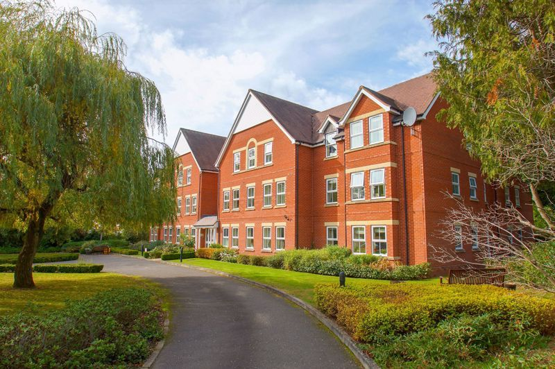 2 bed flat for sale in College Road  - Property Image 13
