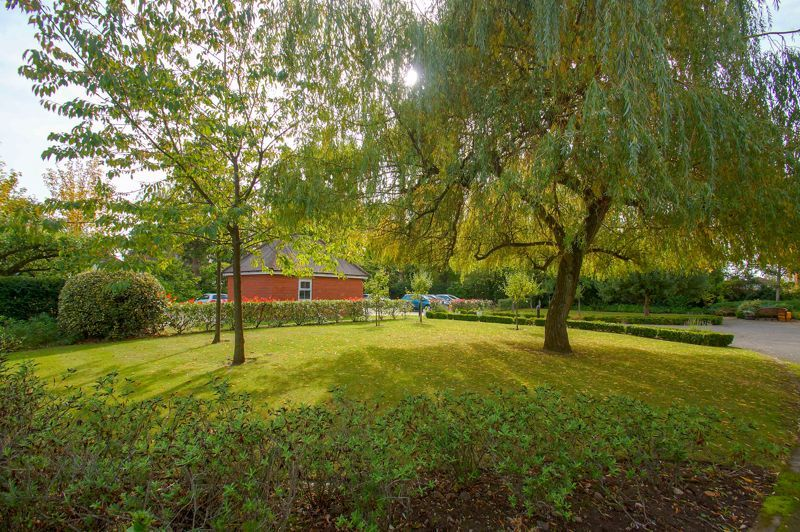 2 bed flat for sale in College Road  - Property Image 14