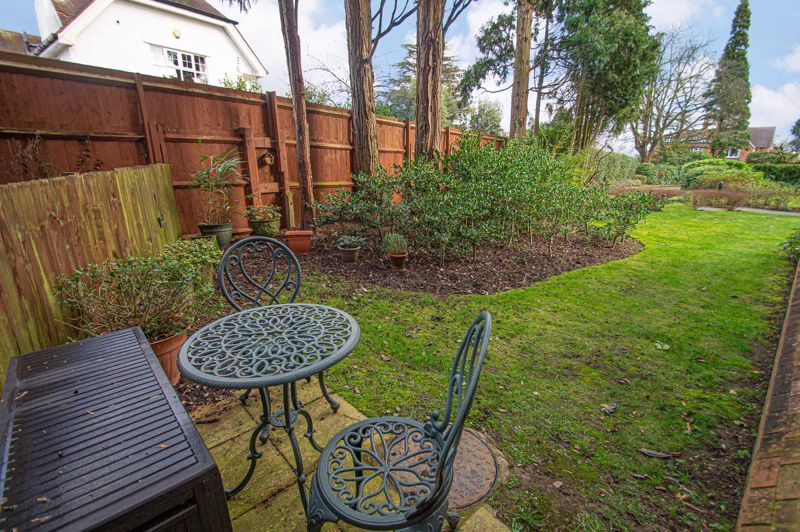 2 bed flat for sale in College Road 15